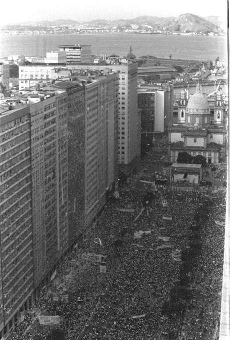 Comício pelas eleições diretas realizado no Rio de Janeiro, em 10 de abril de 1984