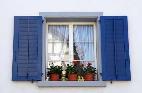 Image result for janela de casa