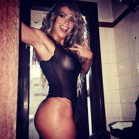 Fani Pacheco é a capa da revista Sexy de maio