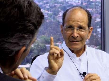 <p>Alejandro Solalinde, el sacerdote que por su trabajo, ha afectado muchos intereses tanto económicos como del narcotráfico, pero también a políticos incómodos que se han acostumbrados a la corrupción.</p>