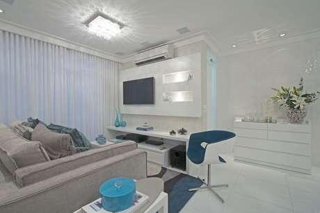 Este apartamento no bairro do Jardim Anália Franco, em São Paulo, recebeu revestimentos e decoração inteiramente novos. Pegamos o apartamento pelado, no contrapiso, afirma a arquiteta Érica Salguero. Informações: (11) 2093-8658