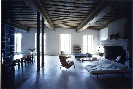 <p>A casa dos arquitetos Massimiliano & Doriana Fuksas é clean e ampla</p>