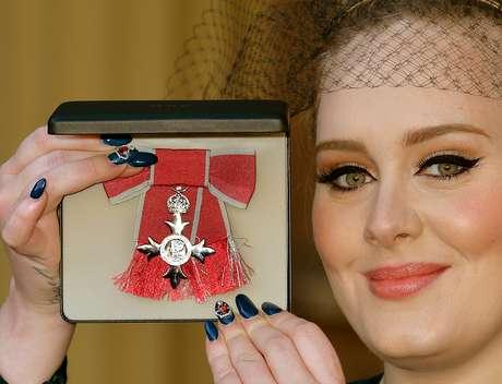 O delineado egípcio é a marca registrada da cantora Adele