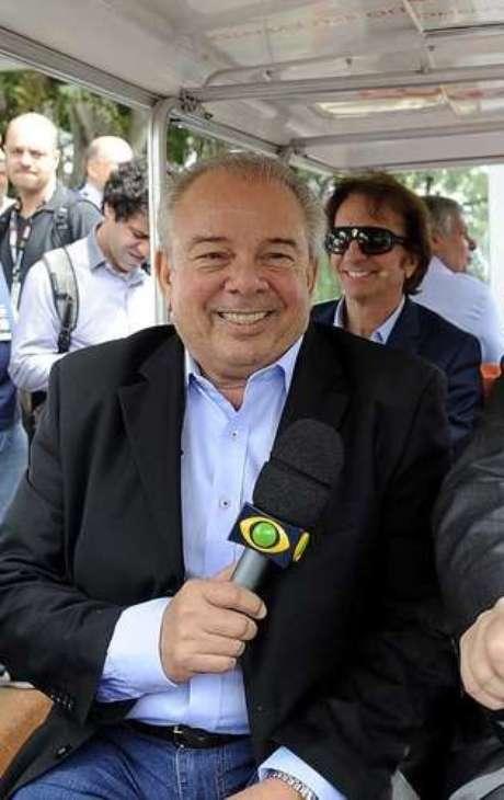 <p>Luciano do Valle morreu após passar mal em viagem de avião</p>
