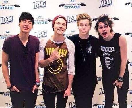 5 Seconds of Summer es una banda australiana de pop y rock.