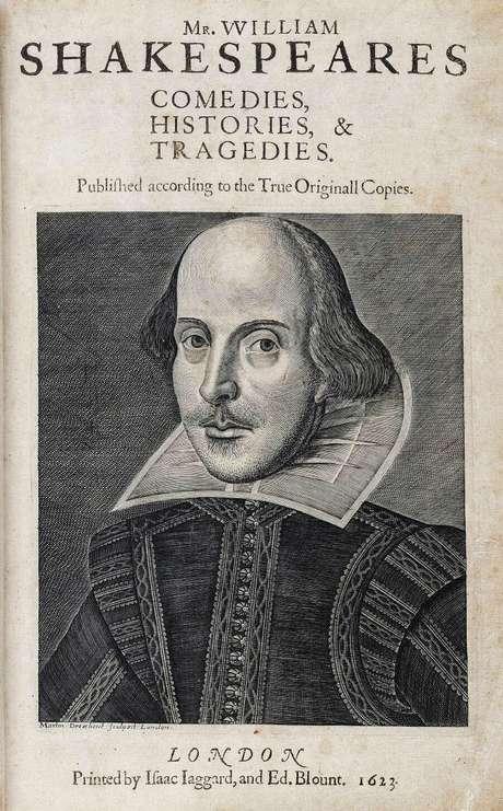 Os atores John Hemige e Henry Condell, amigos de Shakespeare, recolheram quase tudo que o autor produziu e publicaram o primeiro in-folio em 1623