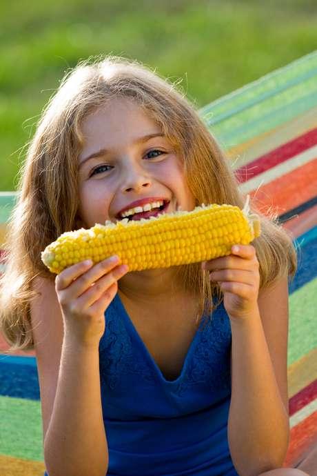 A espiga de milho é um cereal integral que costuma agradar às crianças