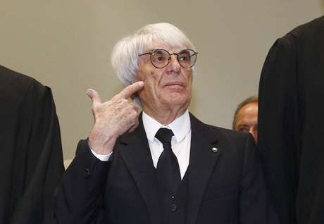 Ecclestone chega ao julgamento na Alemanha