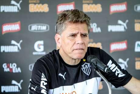 <p>Paulo Autuori deixa o Atlético-MG</p>
