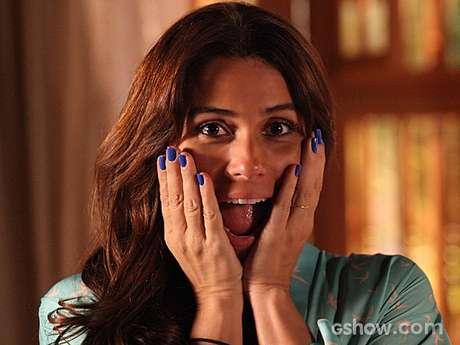 <p>O esmalte azul da Clara (Giovanna Antonelli), de Em Família, é o primeiro colocado no ranking dos cosméticos mais pedidos da TV Globo no mês de março</p>