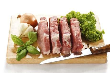 <p>La dieta permite comer carne, nueces, semillas, mariscos, huevos, hortalizas y algunas frutas.</p>
