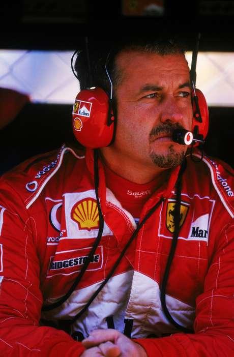 Nigel Stepney foi demitido da Ferrari em 2007, após repassar informações confidenciais para a McLaren; equipe inglesa perdeu pontos da temporada, enquanto mecânico foi demitido