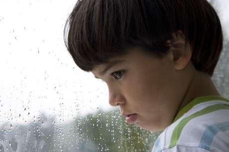 <p>Principal característica do autismo é a inabilidade de interagir em situações sociais</p>