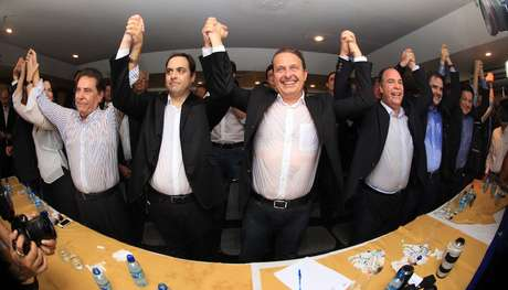 <p>Eduardo Campos lança Paulo Câmara pré-candidato ao governo do Estado de Pernambuco pelo PSB, em maio</p>