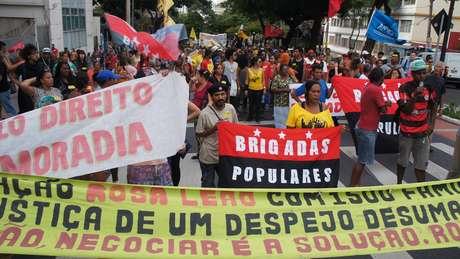 "<p><span style=""color: rgb(0, 0, 0); font-family: Verdana, Arial, Helvetica, sans-serif; font-size: xx-small; line-height: normal; text-align: center;"">Encontro terminou em protesto pelas ruas de Belo Horizonte</span></p>"