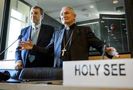 O anúncio apostólico na ONU, monsenhor Silvano Tomasi, declarou que a Convenção tem autoridade sobre o território da Santa Sé
