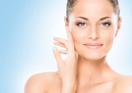 Presente em 25% da proteína existente no corpo inteiro, o colágeno é fundamental para conferir firmeza e jovialidade à pele