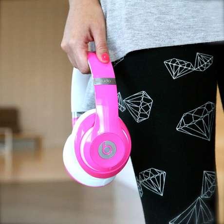 Modelo de fone de ouvido comercializado pela Beats
