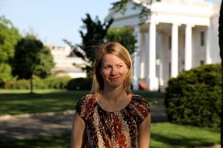 <p>Katie Jacobs Stanton,a líder de estratégia internacional do Twitterainda afirmou que espera mudar a relação entre candidatos e políticos para as eleições em outubro</p>