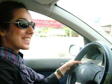 """<p>Esta foto da jornalistaMasih Alinejad deu origem à campanha""""Stealthy Freedom of Iranian Women"""" (""""Liberdade Furtiva das Mulheres Iranianas"""")</p>"""