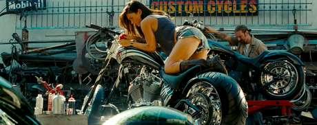 <p>Megan Fox nació el 16 de mayo en Estados Unidos. Ella da vida a lavaliente y sexy 'Mikaela Banes' en Transformers.</p>