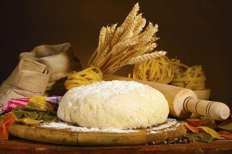 <p>Celíacos devem excluir da dieta derivados dotrigo, cevada, centeio e aveia</p>