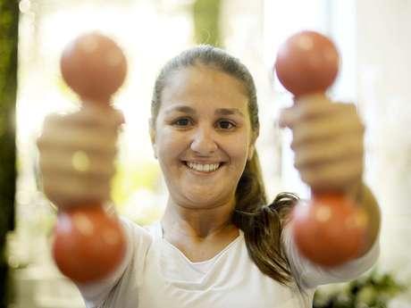 Renata Barbosa engordou 20kg em quatro anos de namoro e já eliminou metade de olho no altar