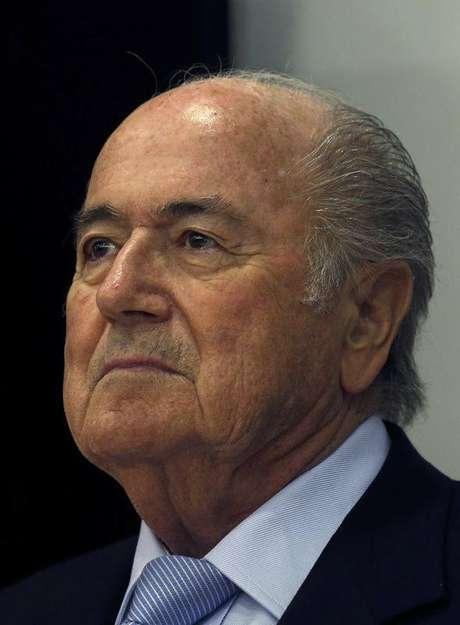 <p>Presidente da Fifa, Joseph Blatter deve ficar no Brasil at&eacute; final da Copa</p>