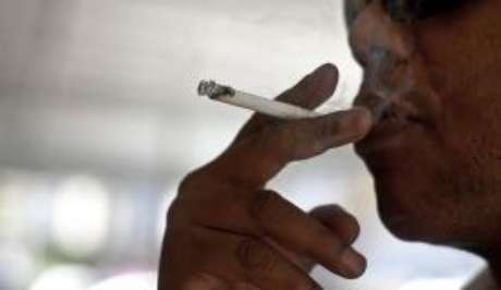 Quem jogar bituca de cigarro na rua poderá ser multado