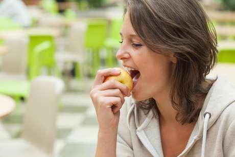 Es recomendable masticar los alimentos al menos 30 veces