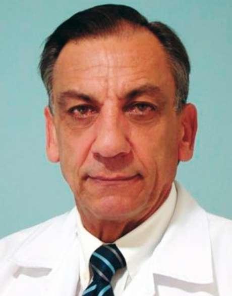 <p>Dr. Osmar de Oliveira foi submetido a duas cirurgias em maio</p>