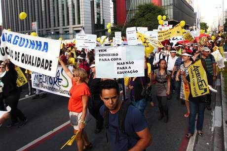 Manifestantes criticaram gastos com a Copa do Mundo de Futebol