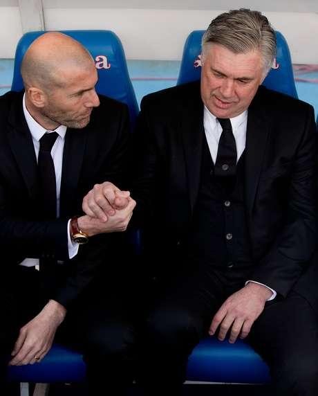 Zidane já foi auxiliar de Ancelotti no Real Madrid