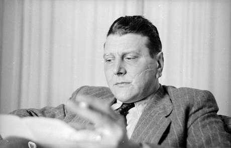 """<p>Otto Skorzeny, um condecorado oficial da SS,participava do grupo secreto que planejava """"restaurar a honra"""" da Alemanhã após derrota naSegunda Guerra Mundial</p>"""
