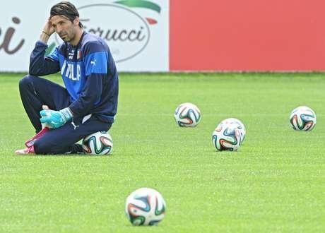 Buffon diz que seleção italiana está em evolução