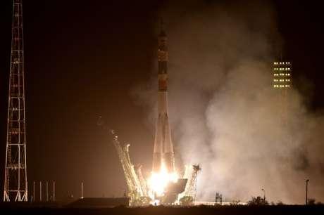 <p>Foguete decolou à noite do cosmódromo de Baikonur, no Cazaquistão</p>