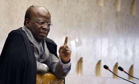 <p>O presidente do STF, Joaquim Barbosa, anunciou oficialmente a aposentadoria do Judiciário</p>