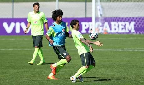 <p>Dante foi a novidade no treino da Seleção</p>