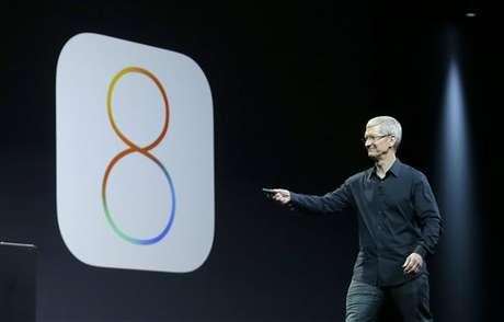 <p>CEO da Apple, Tim Cook duranteo iOS 8 em São Francisco</p>