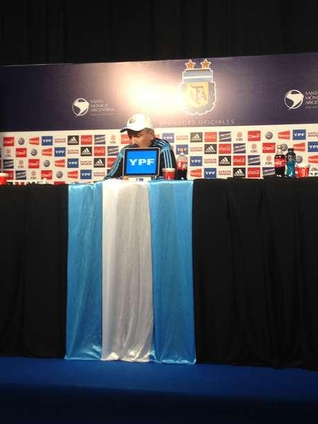 Alejandro Sabella falou à imprensa nesta terça em Buenos Aires