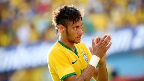 <p>Neymar aplaude jogada brasileira; grande atuação do camisa 10</p>