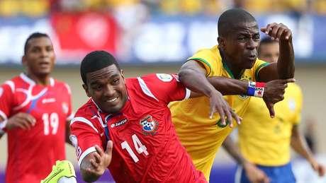 Volante do Chelsea, Ramires tenta aproveitar oportunidade como titular