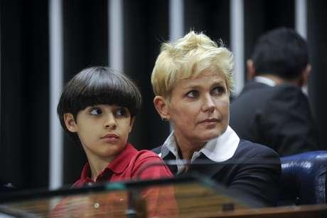 <p>Xuxa participou da sessão que aprovoua lei com neto de Renan Calheiros</p>