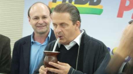 <p>Campos ap&oacute;ia o pr&eacute;-candidato do PMDB ao governo ga&uacute;cho, Ivo Sartori</p>