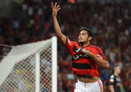 <p>Hernane fez sucesso com a camisa do Flamengo</p>