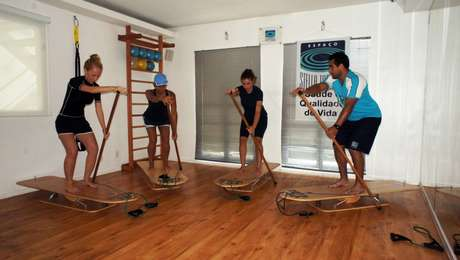 <p>Aula de SUP indoor com o equipamento Vibe Training</p>