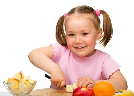 Frutas podem ser servidas de várias maneiras na sobremesa para quebrar a monotonia alimentar