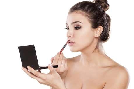 É fundamental saber os truques de maquiagem que deixam a mulher mais bonita