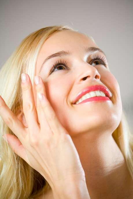 Procedimento promete amenizar a aparência de rugas e linhas de expressão, além de prevenir o surgimento de manchas