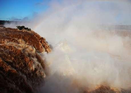 <p>Cataratas apresentaram vazão recorde nesta segunda-feira</p>